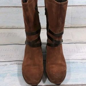UGG Australia Womens Brown Buckle Block Zip Sz 8.5